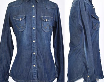 Vintage 90s Wrangler Suzy fitted denim shirt with branded poppers size 10