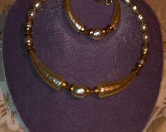 Rear. Milriamhaskell bookpiece necklace & breceret