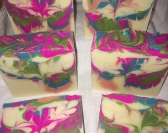 Dragonfruit & Pear- Cold process, Vegan soap.