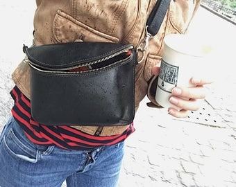 Leather fanny pack / shoulder / cross body