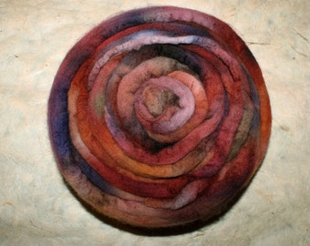 Hand-dyed Merino Wool 'Bougain' - combed tops