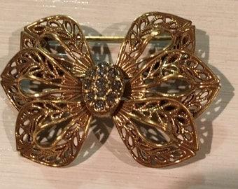 Lovely Vintage Gold Filagree Flower Pin