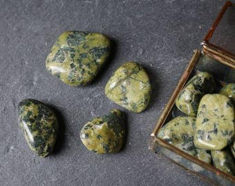 Serpentine Tumbled Stones, Raw Serpentine, Heart Chakra Crystal, Polished Serpentine, Crystal Healing, Crystal Grid, Green Chakra Stone