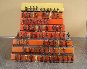 83 Kinder surprise. Ferrero. Figurines. Soldats. Jouet vintage. Jeu ancien. Old  toy. France