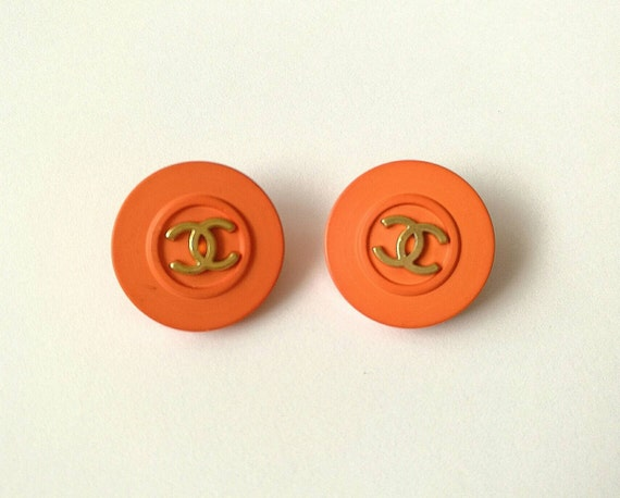 Lot of 2x D20mm Authentic Chanel vintage buttons signed on the back