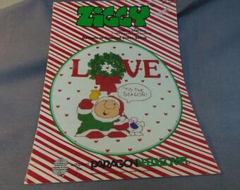 Counted Cross Stitch Pattern, Ziggy Christmas, Paragon Needlecraft, 1983