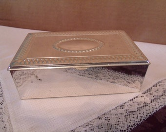 Vintage Jewlery box with Black Felt, (# b2)