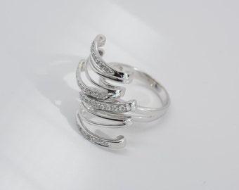 14K White Gold Modern Asymmetrical Layered Diamond Ring app.1 ct. tw., size 6.75