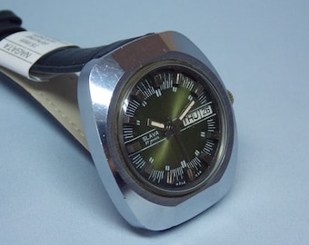 Soviet watch. Wrist watch SLAVA. Automatic watch USSR. Green dial. Vintage watch. Mechanical watch. Working.