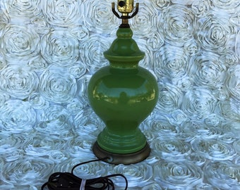 Vintage avocado green accent table lamp