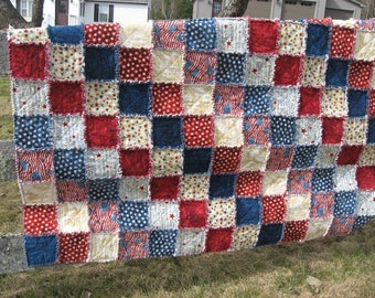 Patriotic/Americana flannel rag quilt/Wuzzy/ red,antique white,blue/wide throw/veterans, memorial,Independence Day item/warm blanket/