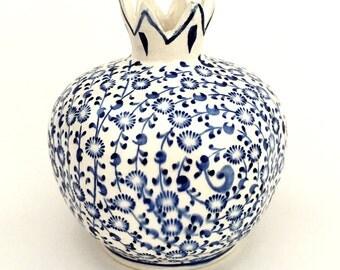 Ceramic handmade pomegranate vase in Blue & White - 10cm
