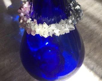 Bracelet memory wire cat's eye  light purple gray  white  magnet claps 7 inch