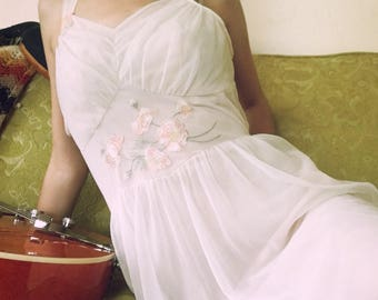 Dainty 1950s Pale Pink Slip Dress with Embroidered Flowers Pin Up Dress