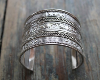 Morroccan metal cuff, metal silver-toned metal bracelet cuff