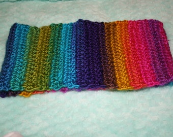 Bright rainbow cowl