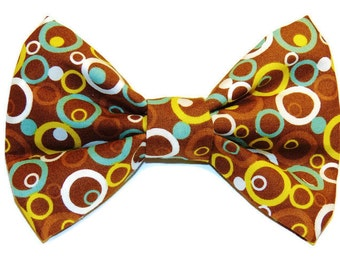 Large Funky Circles Slip-On Collar Bow Tie