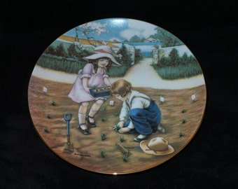 """1988 Hamilton Collection Fond Memories """"Doing Their Bit"""" Collector Plate by Meta Grimball"""