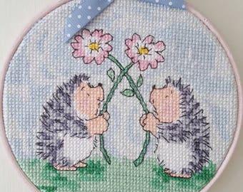 Hand embriodered hoop art - Handmade cross stitch  - framed wall art - hedgehogs hand stitched - home decor - housewarming gift