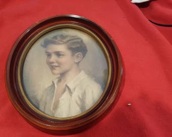 Vintage Oval Wooden Picture Frame (hope novelty co) with Picture of Young Boy