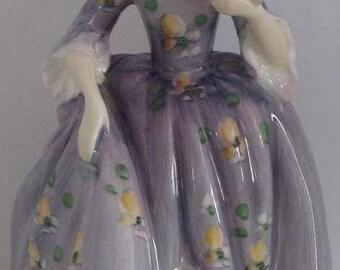 Royal Doulton Figurine Nicola hn 2839