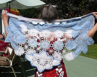Blue shawl, Small triangular shawl, Recycled doilies, Blue festival wrap, Hippy shawl, Bohemian clothing, Retro look, Upcycled clothing, 147