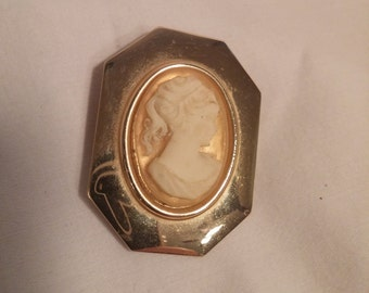 Vintage Cameo Scarf Clip FREE SHIPPING