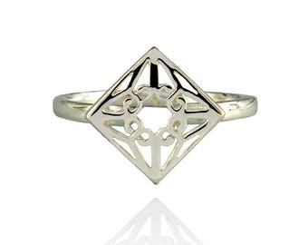 Lao Ring - Sterling Silver