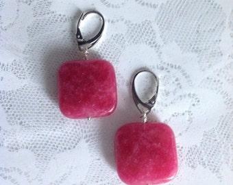 Red jade drop earrings (stones 2 x 2 cm) with hook