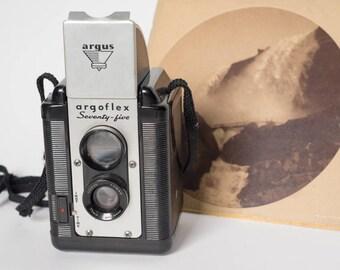 Vintage Argaflex Twin Reflex Camera and 100 year old Print of Niagara Falls by George Barker
