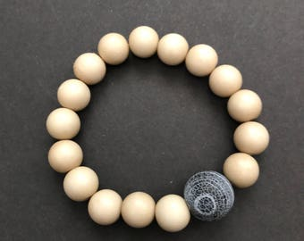 Concrete bead bracelet with ivory reain beads