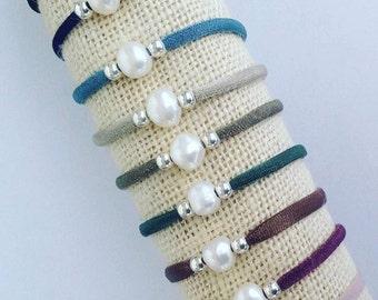 Elastic freshwater pearl bracelet
