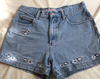 Embroidered Jean Shorts // 90's Embroidered High Waisted Jean Shorts