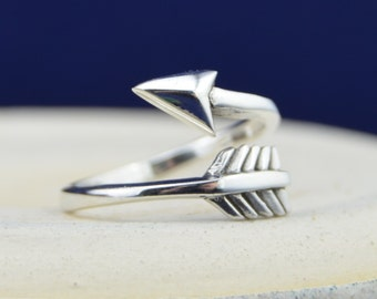 Sterling Silver wrap style slightly adjustable arrow ring sizes 5-10