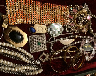 16 Pieces of Costume Jewelry Necklaces, Pendants and Bracelets