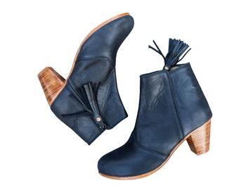 Leather booties / Women's shoes / Women's booties / Women's leather boots / Fringe boots / High heels boots / Leather fringe boots