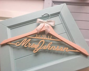 Rose gold wedding hanger, bride hanger, wedding dress hanger, personalized hanger, wedding hanger dress, mrs hanger, bridal hanger