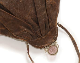ANTIQUE BAG · Leather · Brown · Fold · Temple · Glass plate · ground · Putti presentation