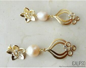 Wedding earrings, bridal earrings, pearl earrings, flower earrings, gold earrings, bridesmaid earrings, anniversary, romantic gift jewelry