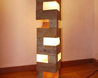 Pallet floor lamp