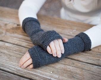 Outlander inspired fingerless gloves, Claire's gloves, gray knit fingerless gloves, knit arm warmers, hand knit gauntlet