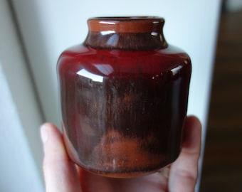 Hermann Karl Hakenjos mid-century red vase, Kandern Germany
