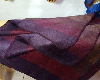 Throw Blanket Alpaca Blanket Shutter Grape made in Ecuador