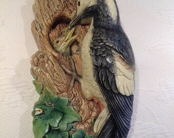 Bossons England Chalkware - MOM Woodpecker and her babies - Wall Pocket Hanging décor - Woodpecker and babies 1968 / / made in England