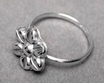 Art Deco Dainty 925 Sterling Silver Floral Ring 1960's