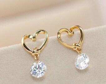 White rhinestone crystal stud earrings, Small cute gold plated stud earrings, Heart romantic lovely earrings, Cheap love earrings F32
