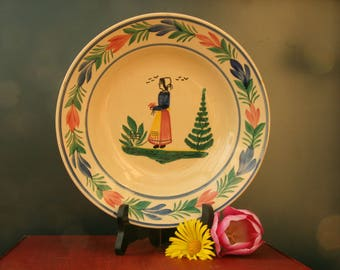 Quimper ceramic plate by Henriot / French hand-painted Quimper decorative plate, 1920s