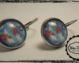 Handmade fold-out earrings with cabochon