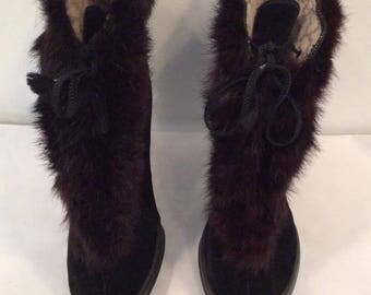 GAYTEES black velvet fur trimmed boot overshoe vintage size 8 theater costume