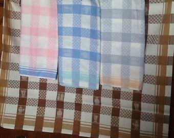 Set of 4 vintage tea towels
